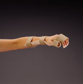 Rolyan-Pre-formed-Resting-Pan-Mitt-Splint-with-Strapping-Beige-M-Right-(A76422)